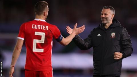 Chris Gunter and Wales manager Ryan Giggs