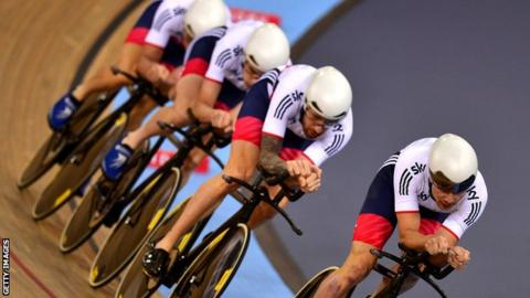 Owain Doull leads out Great Britain's pursuit team