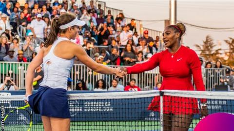 Johanna Konta and Serena Williams shake hands