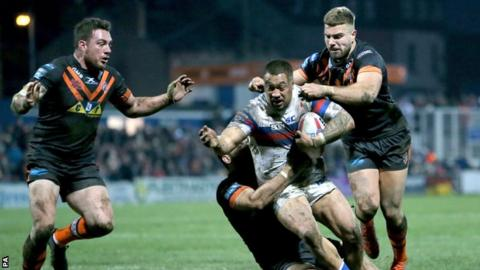 Wakefield v Castleford in the Super league