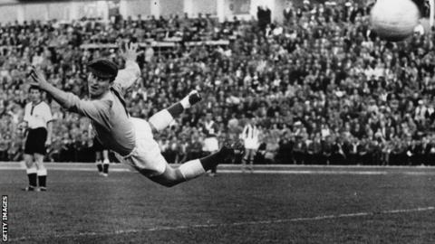 Man United legend, Munich Air Disaster hero Harry Gregg dies at 87