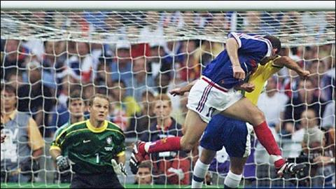 Zinedine Zidane scores for France in the 1998 World Cup final