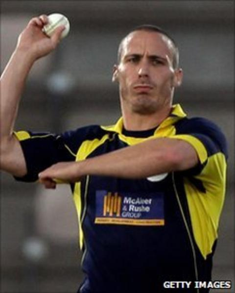 Hampshire paceman Simon Jones