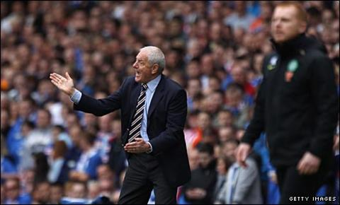 Walter Smith urges Rangers on against Celtic