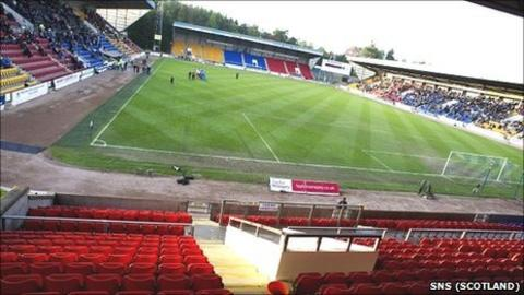 Empty seats at McDiarmid Park