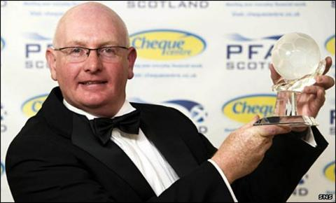 John McGlynn with his PFA Scotland award