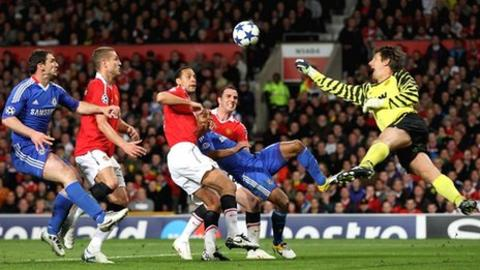 Manchester United beat Chelsea at Old Trafford in the Champions League quarter-final