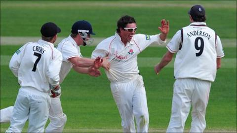 Lancashire spinner Simon kerrigan celebrates a wicket