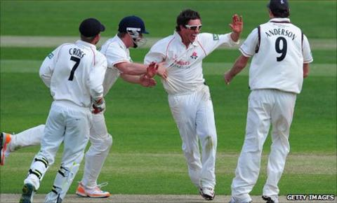 Lancashire celebrate during their win over Warwickshire
