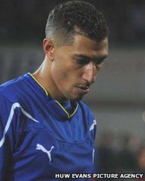 A dejected Jay Bothroyd leaves the pitch after Cardiff's play-off loss to Reading