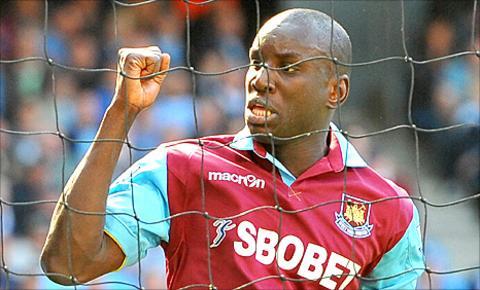 Demba Ba scores for West Ham