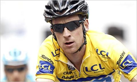 Bradley Wiggins in the yellow jersey