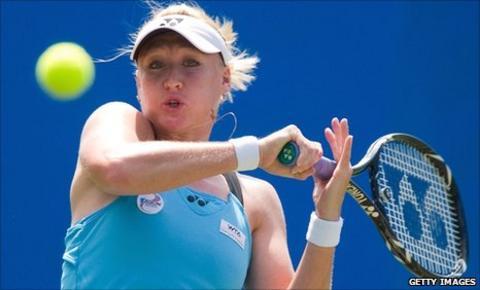 Elena Baltacha battles against Aravane Rezai at Eastbourne