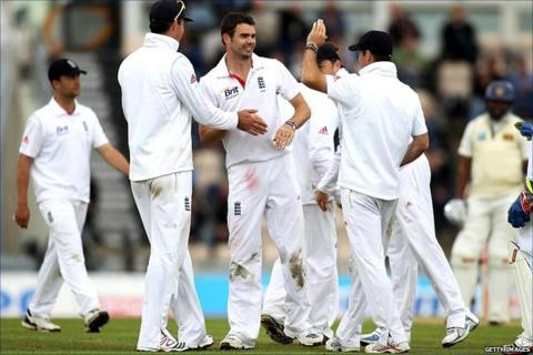 James Anderson celebrates getting Kumar Sangakkara out
