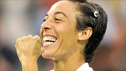 Francesca Schiavone celebrates victory