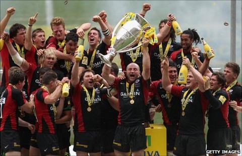 Saracens lift Aviva Premiership trophy