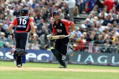 England's Eoin Morgan and Jonathan Trott