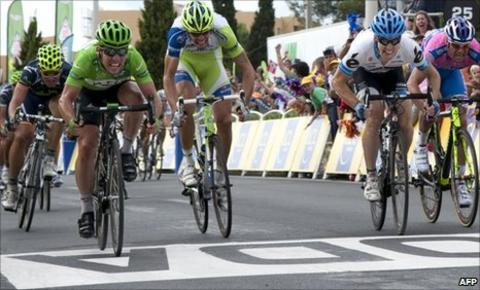 Mark Cavendish (left)