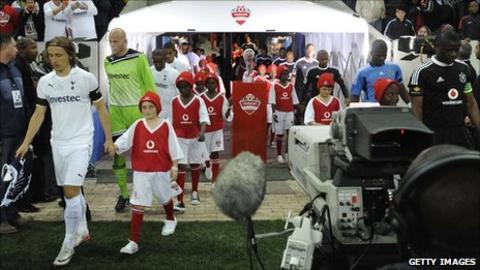 Tottenham Hotspurs and Orlando Pirates come out for the Vodacom final