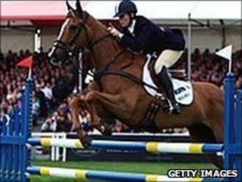 Lucy Wiegersma riding Shaabrak