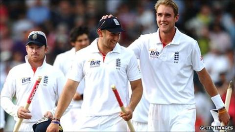Ian Bell (left), Tim Bresnan (centre), Stuart Broad