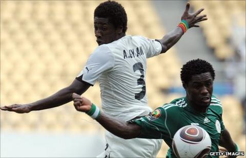 Ghana take on Nigeria at the 2010 Nations Cup