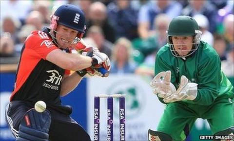 Eoin Morgan (l) and Niall O'Brien