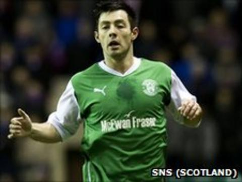 Richie Towell is returning to Hibs on loan