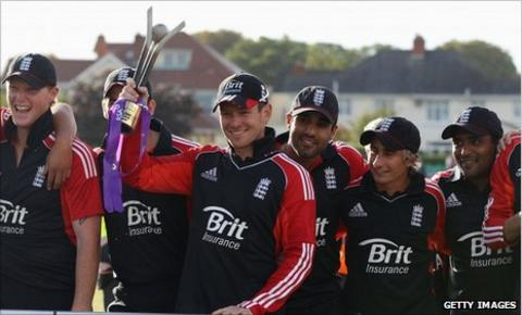 Stand-in England captain Eoin Morgan lifts the trophy