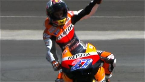 Watch highlights as Casey Stoner wins the MotoGP in Indianapolis