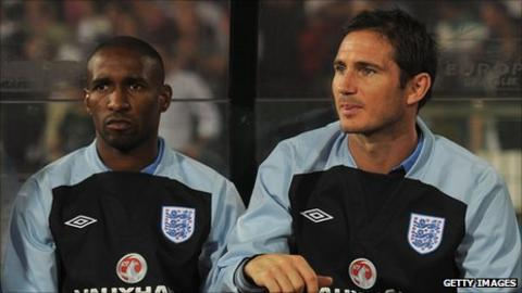 Jermain Defoe and Frank Lampard on the substitutes' bench on Friday