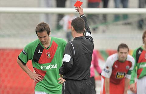 Andrew Waterworth was sent-off during Glentoran's home defeat by Cliftonville