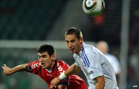 Armenia's Valeri Aleksanjan and Slovakia's Filip Holosko