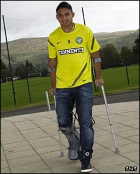 Emilio Izaguirre on his crutches