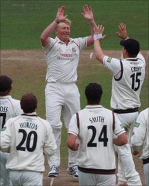Lancashire celebrate a Somerset wicket