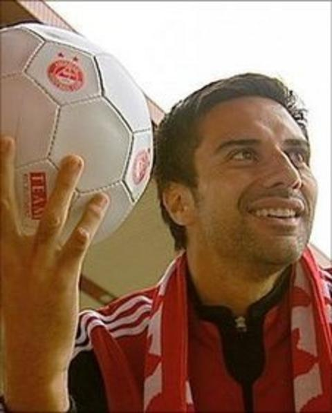 Aberdeen striker Rory Fallon