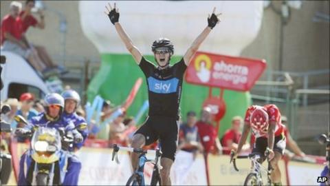Chris Froome wins stage 17 of the Vuelta a Espana ahead of eventual race winner Juan Jose Cobo