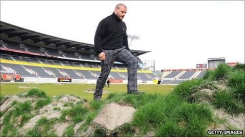 Scotland prop Euan Murray visits the stadium in Christchurch