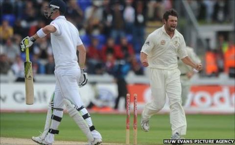England batsman Kevin Pietersen is bowled by Australia's Ben Hilfenhaus