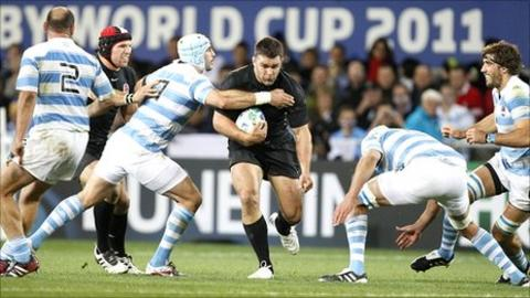 Nick Easter (centre) on the charge against Argentina