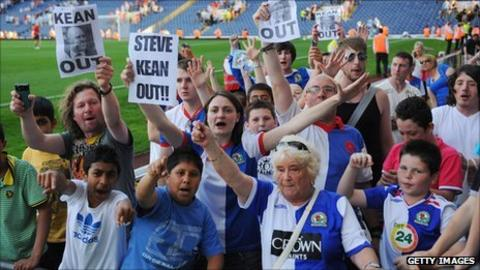 'Kean out' protests at Blackburn