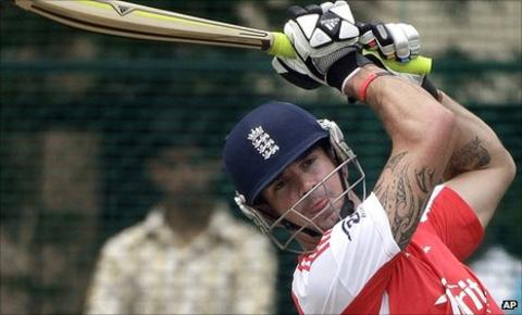 Kevin Pietersen in the nets in India
