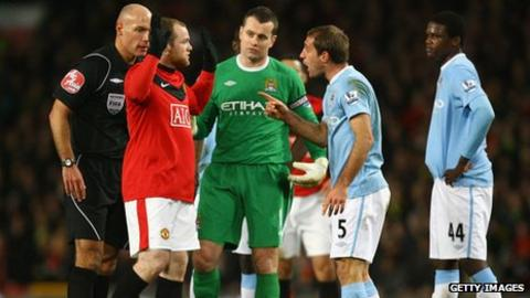 United and City players arguing