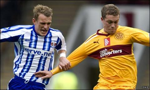 Dean Shiels in action against Motherwell