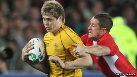 James O'Connor takes on Shane Williams