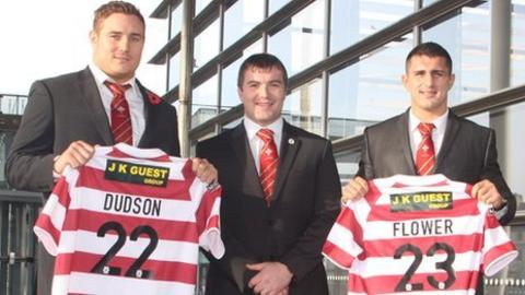 Gil Dudson (left) and Ben Flower (right) with Wigan Warriors assistant coach Iestyn Harris [image: www.ianlovell.com]
