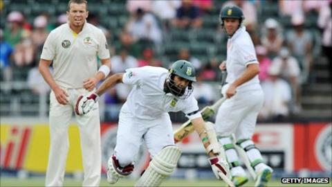 Peter Siddle, Hashim Amla and AB de Villiers