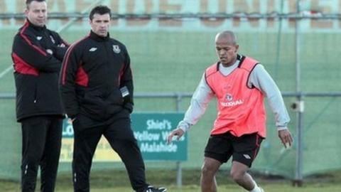 Raymond Verheijen, Gary Speed, Robert Earnshaw