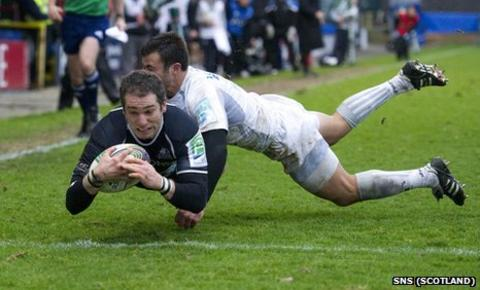 Federico Aramburu scores a try for Glasgow Warriors against Montpellier