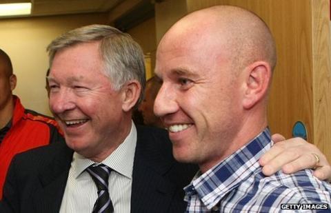 Nicky Butt (right) with Sir Alex Ferguson (left)